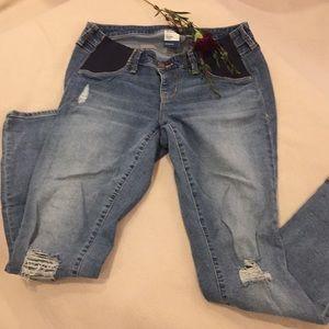 Old Navy Maternity Rockstar skinny jeans, size 6